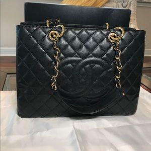 Chanel grand shopping tote. Chanel gst